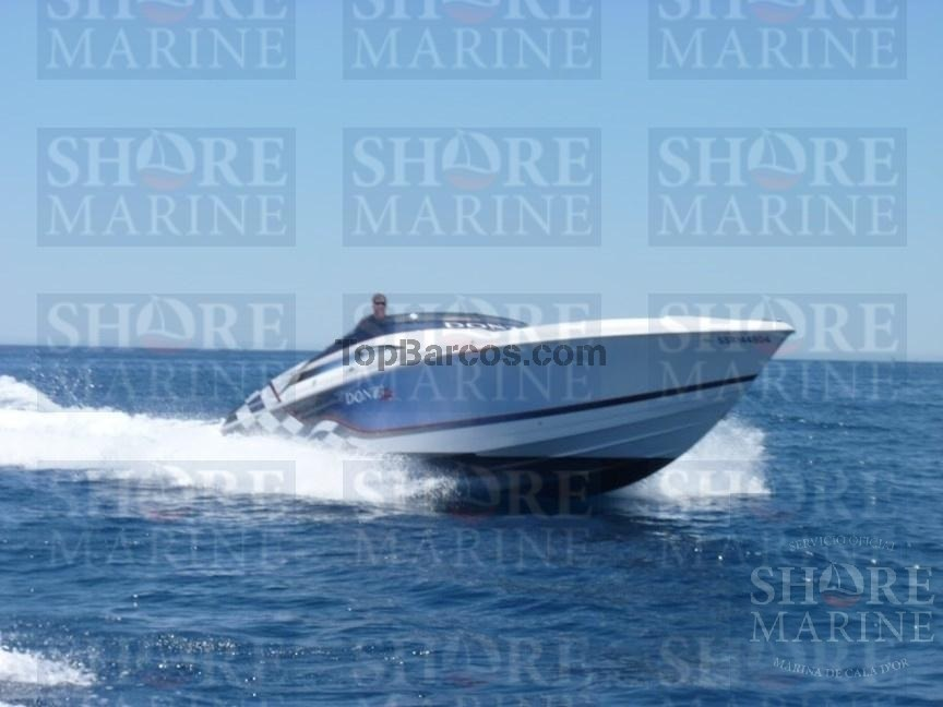 Donzi Marine 38 ZX Great and super fast Boat