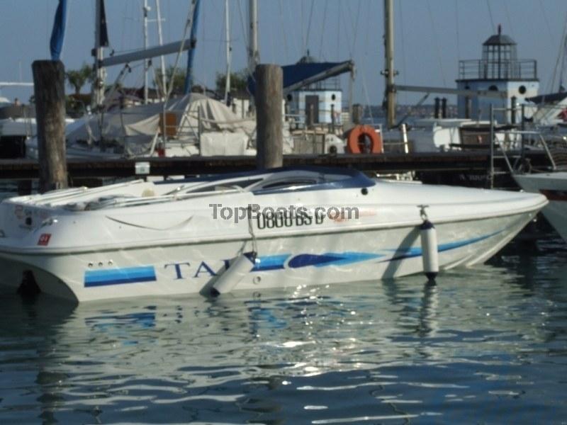 Noleggio barca a motore noleggio rent tullio abbate sea for Noleggio di cabine per lago