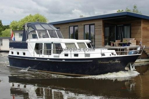 Jabsco Toilet Aanbieding : Tweedehands boten charterboten zeilboten top boats