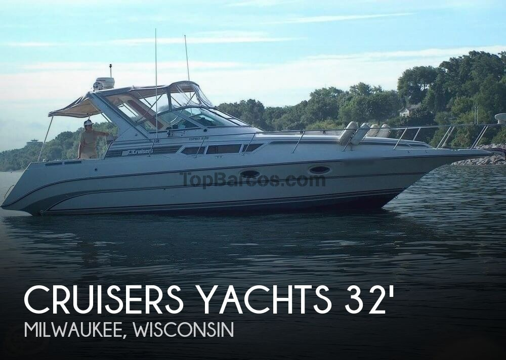 Cruisers Yachts Esprit 3270 In Milwaukee For 18 500 Used Boats