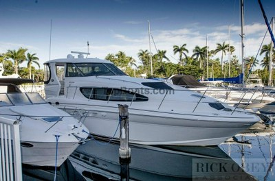 Sea Ray 390 in used boats - Top Boats